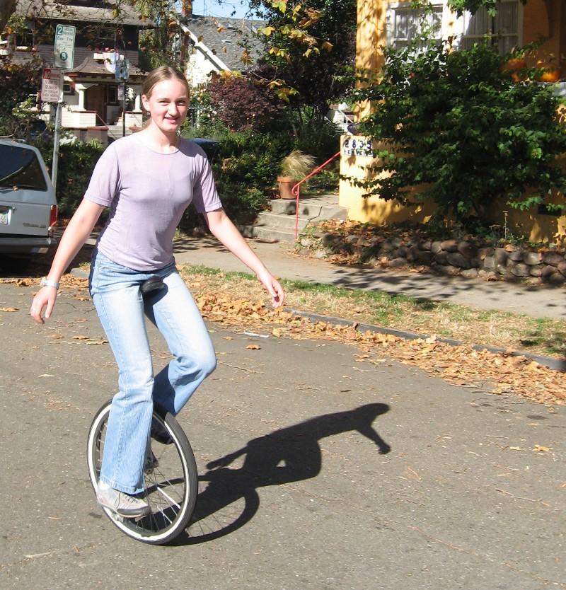 faye-unicycle.jpg